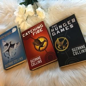 Other - Suzanne Collins Book Series Set